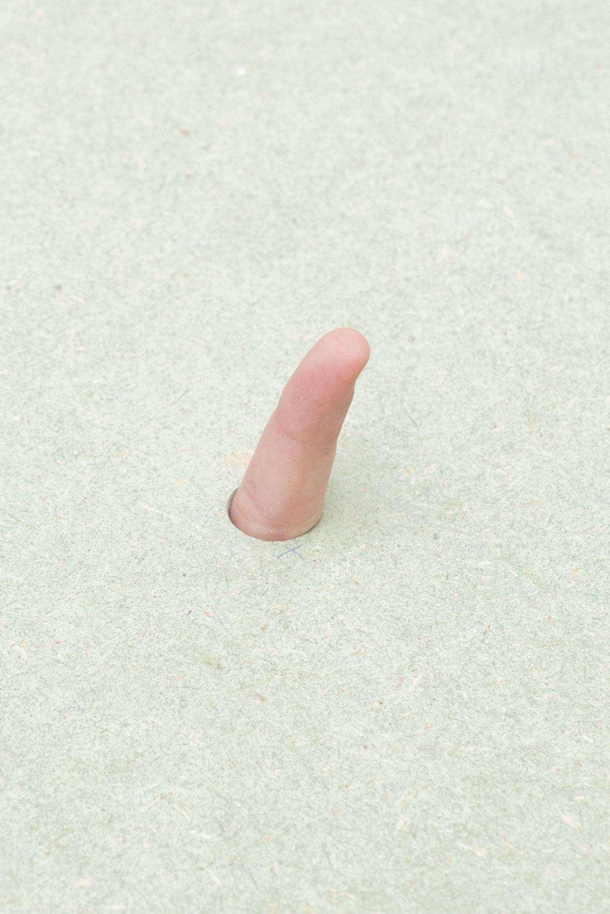Dix doigts dans le paysage